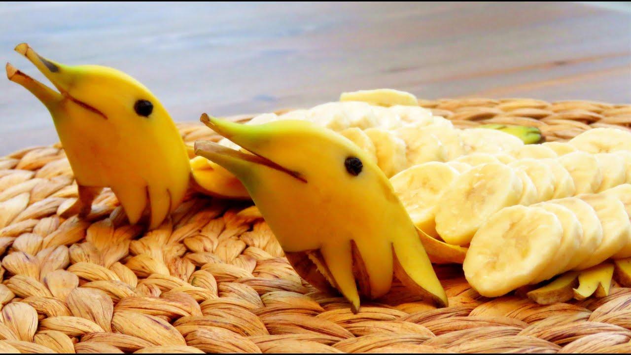 Banana Cake With Fruit Decoration