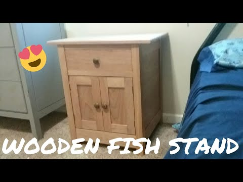 DIY: Wooden Fish Stand