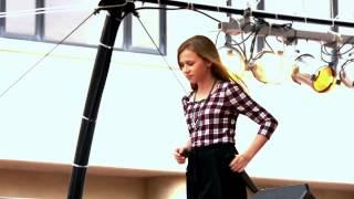 Wanita Cantik Nyanyi Lagu Let Her Go - Pessenger