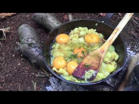 Bushcraft Breakfast (aka Frittata) + Foraging Spruce / Cedar Root