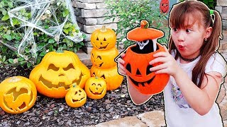 Pretend Play Halloween Dress Up & Trick or Treat for Kids Candy