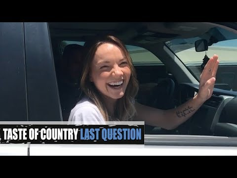 Danielle Bradbery's First Kiss, Fave Late Night Snack + More! - Last Question