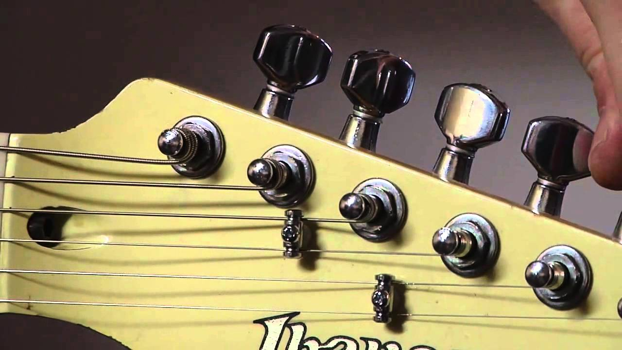 how do i keep a guitar in tune with a tremolo bar youtube. Black Bedroom Furniture Sets. Home Design Ideas