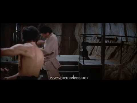 Bruce Lee - 'Enter The Dragon' Battle With The Guards