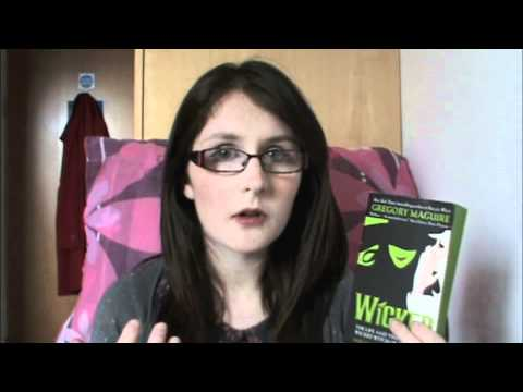 Wicked by Gregory Maguire (Book Review)