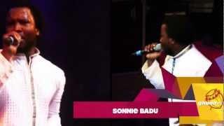 Sonnie Badu joins Becca on stage | GhanaMusic.com Video