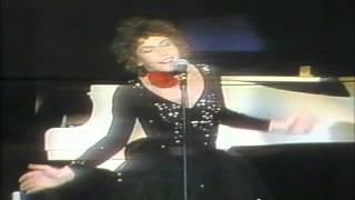 HELEN REDDY - I AM A SONG (SING ME) - LAS VEGAS 1975 - CONCERT TEASER