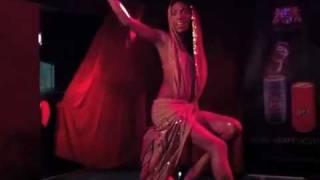 Trash Club de Luxe: Whitney Houston