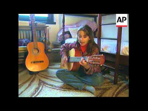 BOSNIA: SARAJEVO FAMILY PROFILE: LIFE SINCE THE  PEACE AGREEMENT