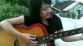 Tyta SweetzzBerry - Guitar play (Yangseku-Pujaan Hati).mp4