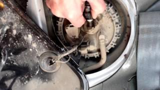 Замена топливного фильтра на Hyundai Accent(Зная как часто менять топливный фильтр, можно обеспечить нормальную работу двигателя автомобиля. Как прави..., 2015-12-13T18:05:12.000Z)