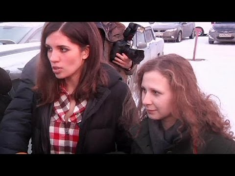 Pussy Riot pair detained in Sochi by Russian police