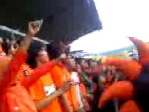 LAGU VIKING ANJING (PERSIJA vs PERSIB di std.maguwo sleman)