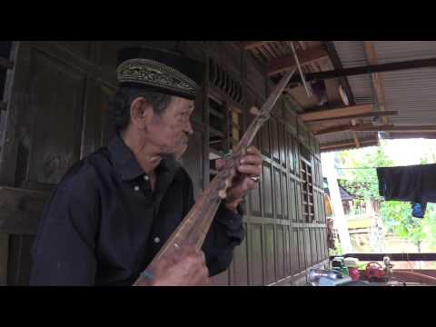 Kacapi Kajang: Boat Lute Shredding in South Sulawesi