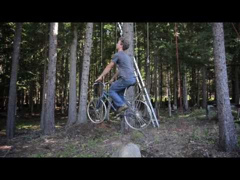 An Ingenious Bicycle-Powered Treehouse Elevator Lifts a Rider 30 Feet in Seconds | Colossal