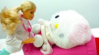 Мультик Барби лечит Хелло Китти. Игры в больницу