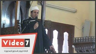 بالفيديو.. صلاة الغائب على ضحايا الطائرة المصرية المنكوبة بعمر مكرم