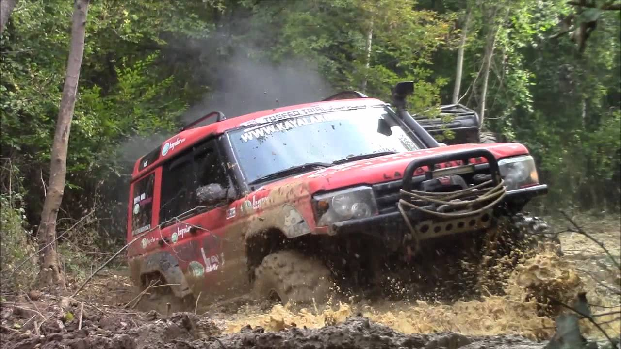 Extreme mud bogging land rover s discovery defender 90 08 11 2015 youtube