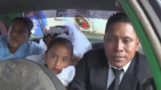 Casamiento empañado por escándalo en las afueras de la Iglesia