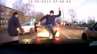 Нападение на меня водителем и пассажиром тойоты королла а192вв37
