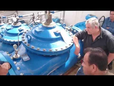 Recorrido con personal tecnico de DOROT en el cuarto de valvulas del cryce del Brujo (MOV 0070)