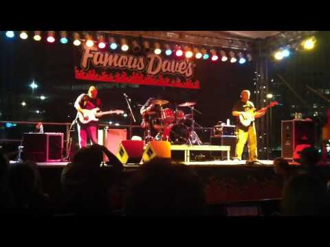 Walter Trout @ Famous Dave's 8th BBQ/Blues Festival 2
