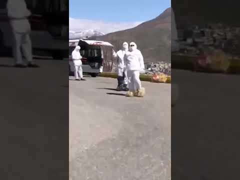 أطباء إيرانيون بملابس رثه وامكانيات ظعيفة وسط انتشار فايروس كورونا في معظم المدن الإيرانية