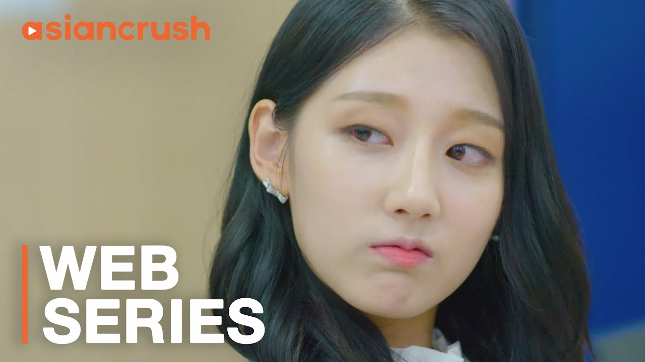 Can I trust this mysterious hottie?   The Blue Sea   Episode 2   Lovelyz  Yein