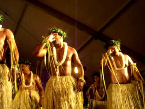 Tokelau men 20Aug2011 Townsville Cultural Festival totally L