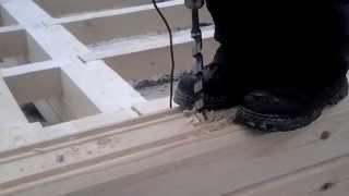 видео Сверление отверстий под деревянные нагеля