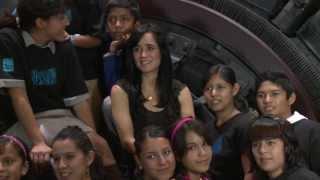 Julieta Venegas - Eres Para Mi - Unicef