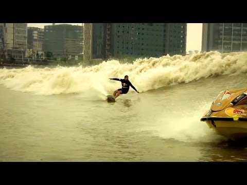 Enter the Silver Dragon - Red Bull Qiantang Shoot Out 2013