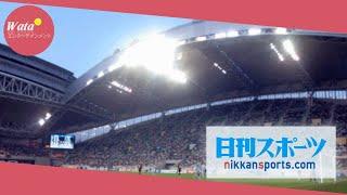 A.B.C-Z橋本良亮(24)と家入レオ(23)が15日、都内で、...