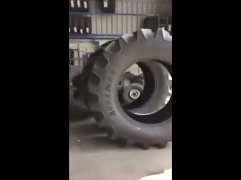old man looses it with Irish traveler very funny lol