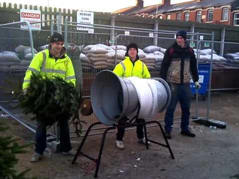 Fastest Christmas Tree Netting. BG Fencing 2010
