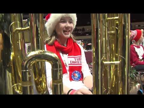 Tuba players break world record in Kansas City