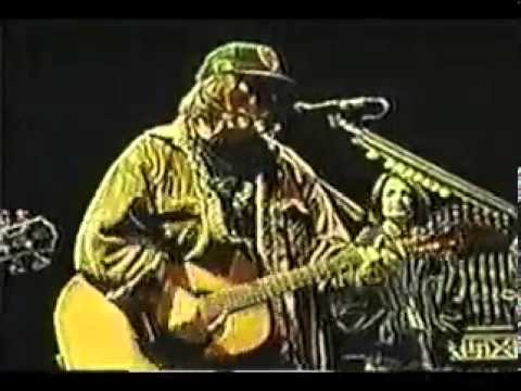 Neil Young, Patti Smith & Guests   Helpless