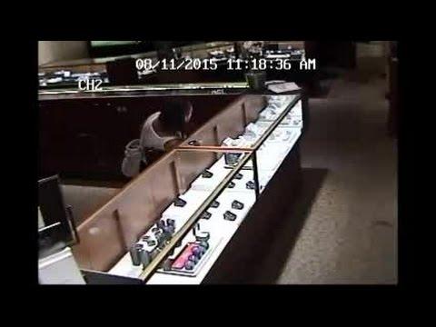 Jewelry theft in Panama City, Florida