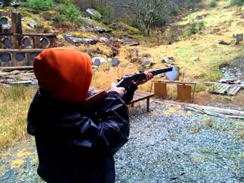 Joast shooting the Uberti 1873 lever action rifle .45 Colt