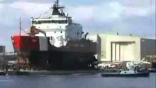 Ship landing into sea