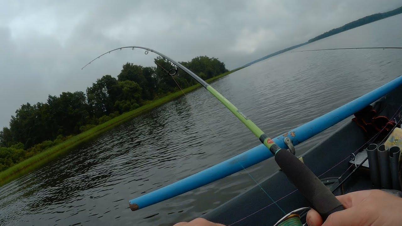 Рыбалка на  иваньковском водохранилище.Ловим щуку. первый выезд.