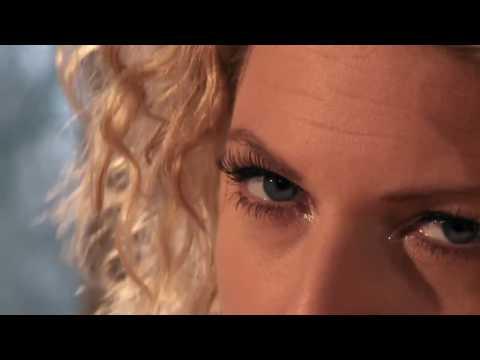 Am I Dreaming? - Laura Vane & The Vipertones Official Video