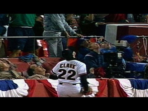 1989 WS Gm4: Clark makes catch, falls in stands