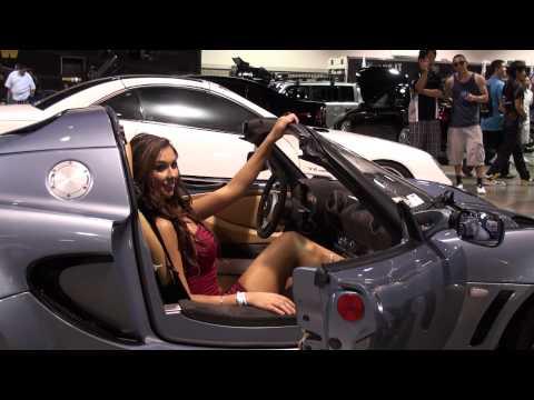 Spocom Long Beach 2010 - model in a car.mts