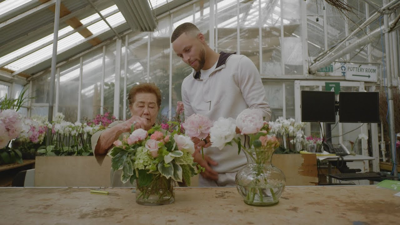 Stephen Curry supports the Bay's reopened businesses with Google