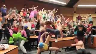 Repeat youtube video BEST / FUNNIEST Harlem Shake Compilation!