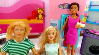 Видео для девочек - Кен в гостях у Барби - Игры в куклы