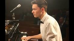A very sad and emotional piano live performance