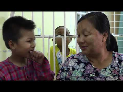 Passing on knowledge to doctors and nurses in Myanmar