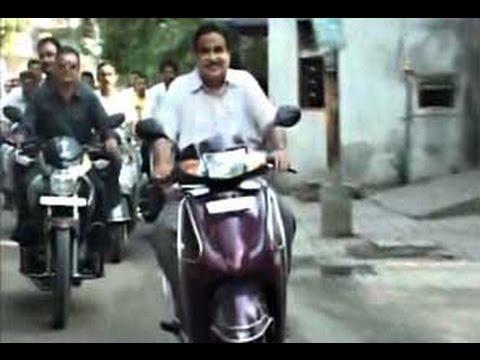 Watch Live: Transport Minister Nitin Gadkari breaks traffic rule in Nagpur